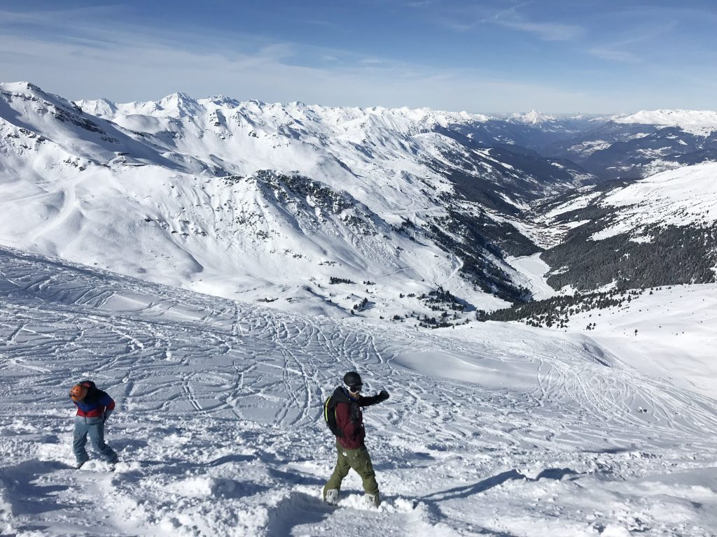 Mont Vallon Snowboard with Friends