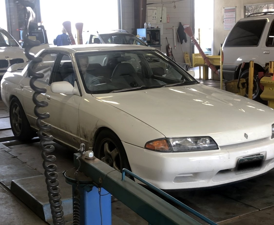 How to Legally Register a Nissan Skyline in Denver, Colorado